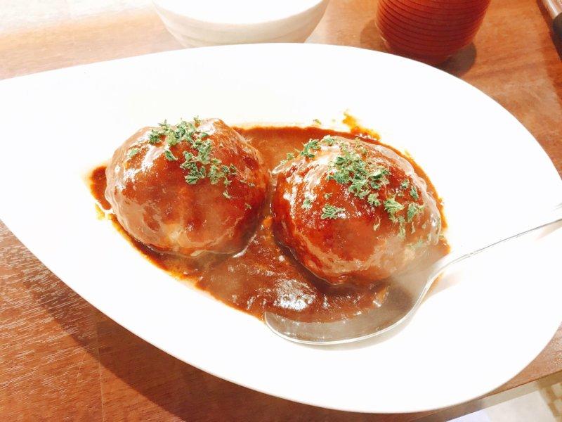 肉バルSHOUTAIAN 渋谷店 デミグラスハンバーグ